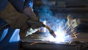 MIG (Metal. Inert Gas) welding essentially utilizes arc formation to generate heat enough to melt the metal being worked on. So when I mention arc start thinking electricity and with electricity comes circuits. That said, this article will look at MIG welding earth clamps.